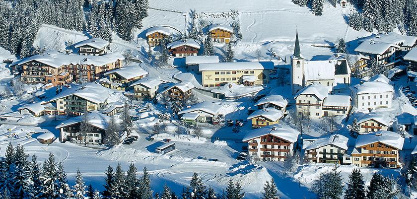 Austria_Filzmoos_village_view3.jpg